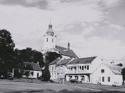 pohled na kostel z náměstí